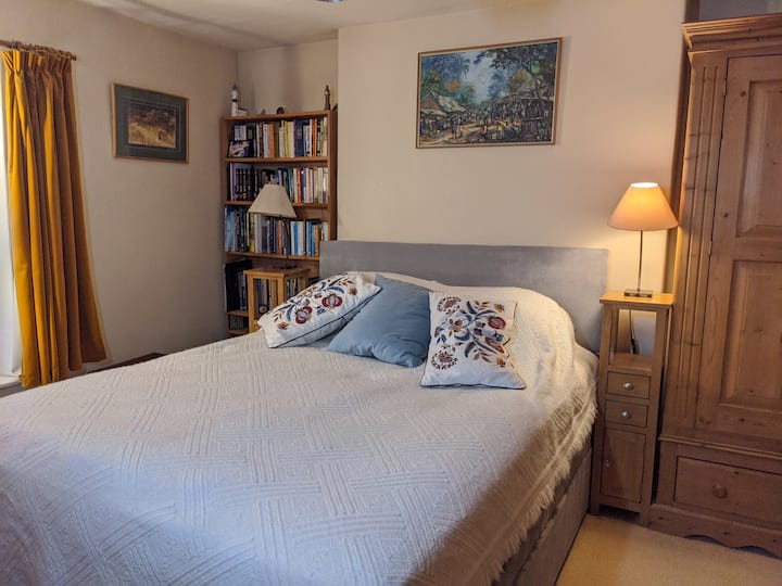 Beautiful south facing room with kitchenette