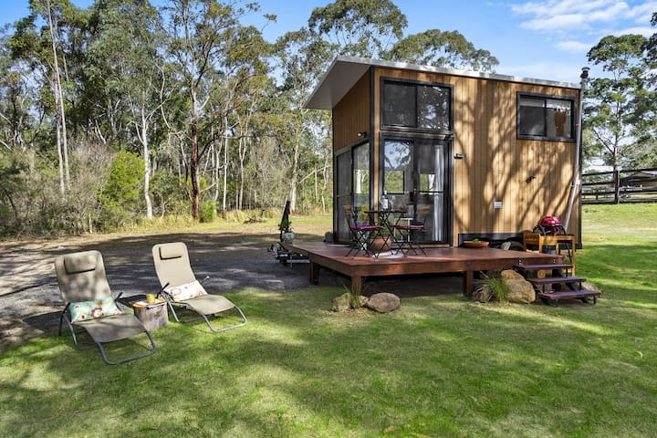 office cubicle gets trnsformed into cozy christms cbin.htm airbnb   kangaroo valley vacation rentals   places to stay  kangaroo valley vacation rentals