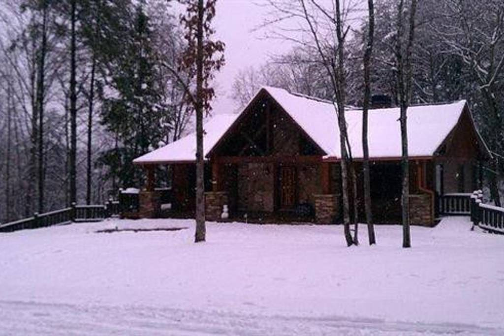 Cabin during the snow