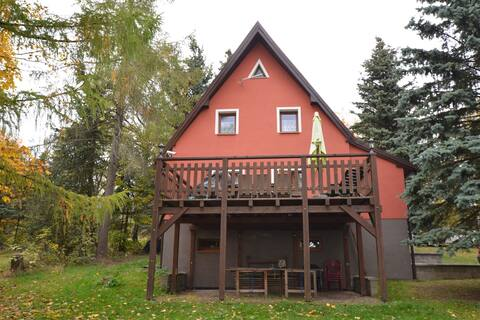 Detached holiday home with large terrace, table tennis in the Erzgebirge Mountains
