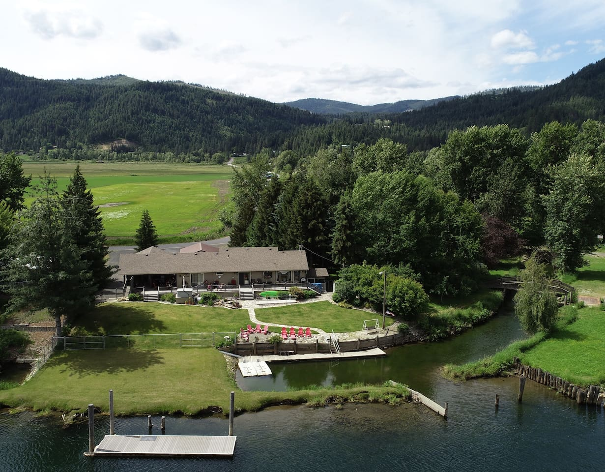 Welcome to our River House located 1.5 miles outside of St. Maries on the St. Joe River.  From the suite you can watch deer, geese, river life.  Enjoy our river that sports some of the best fishing or explore the many outdoor recreation activities.