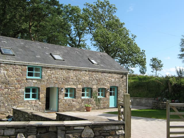 Beautiful 5* Cottage, Sleeps 6 - Cwm-twrch Uchaf - Rumah