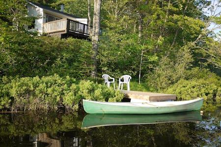 Lake front cottage  Gatineau Hills - Lac-des-Loups - Kabin