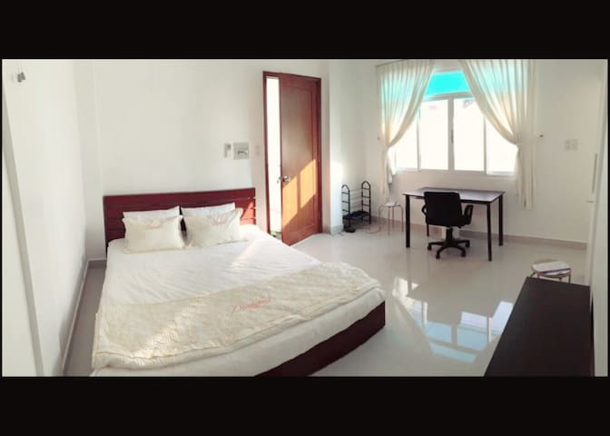 Central, District 1, Brand New 1B - Ho Chi Minh City - Appartement