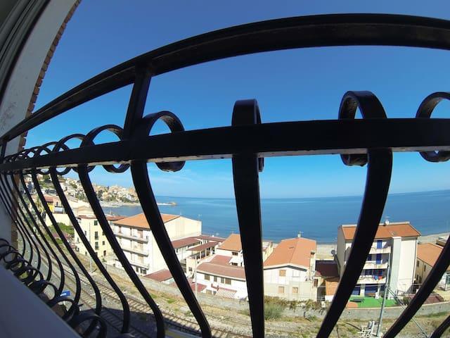 Vista sul mare da Casa Rocca Marina - Castel di Tusa - Квартира