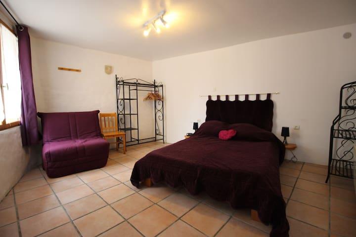 Gîte WIFI et jacuzzi près châteaux cathares Aude