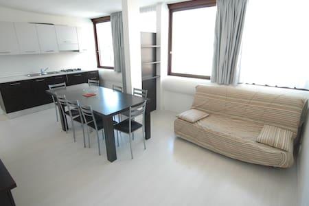 Modern Apartment 8 - Lignano Sabbiadoro - Wohnung