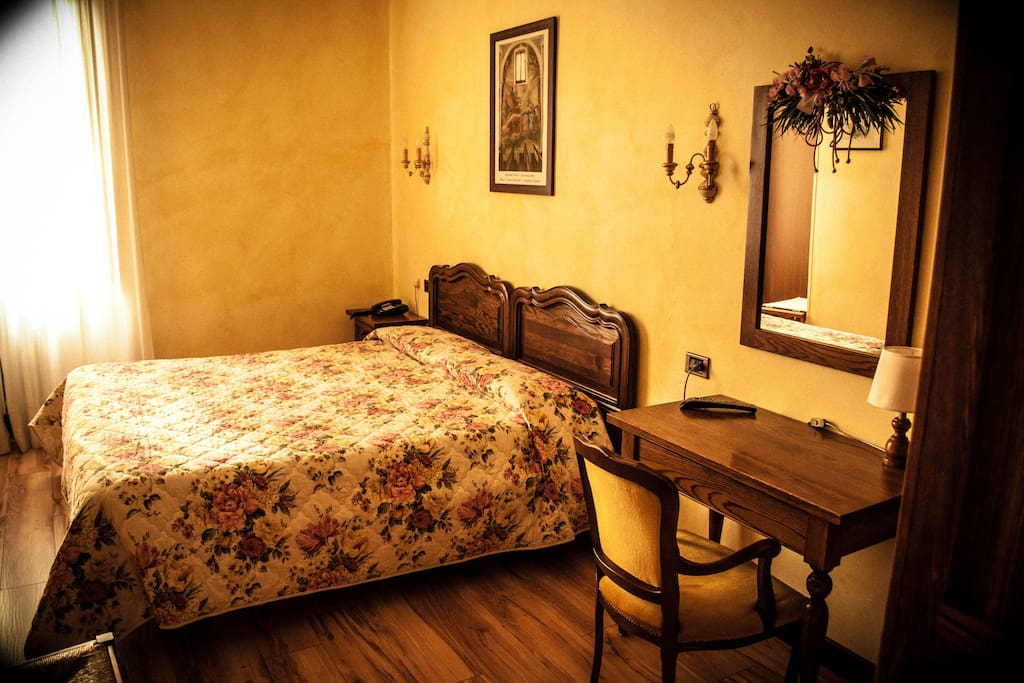 Camera standard hotel con piscina bed breakfasts for - Hotel con piscina in camera ...