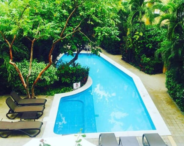 Perfect pool in getsemani - Cartagena