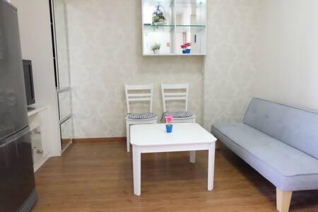 Cozy 1 BR Apartment at Central Jakarta - Menteng - 公寓