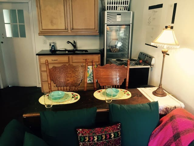 Private working art cottage studio apartment - Ayden - Guesthouse