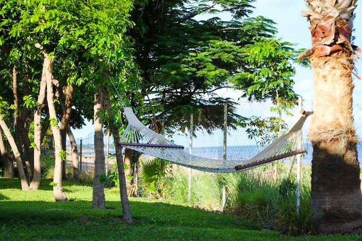 Seven Mangoes Beach Cottage, South Senga Bay