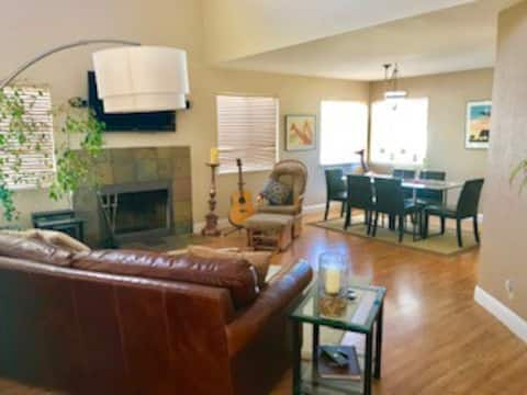 Private Room in Lush South Reno
