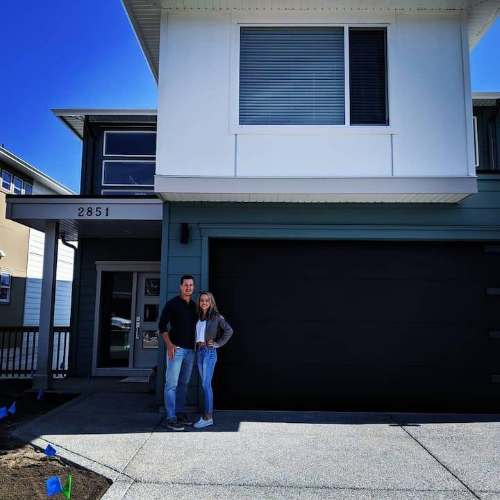 1 Bedroom Suite in Brand New Westshore Home