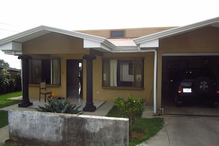 Room type: Entire home/apt Property type: House Accommodates: 3 Bedrooms: 2 Bathrooms: 2