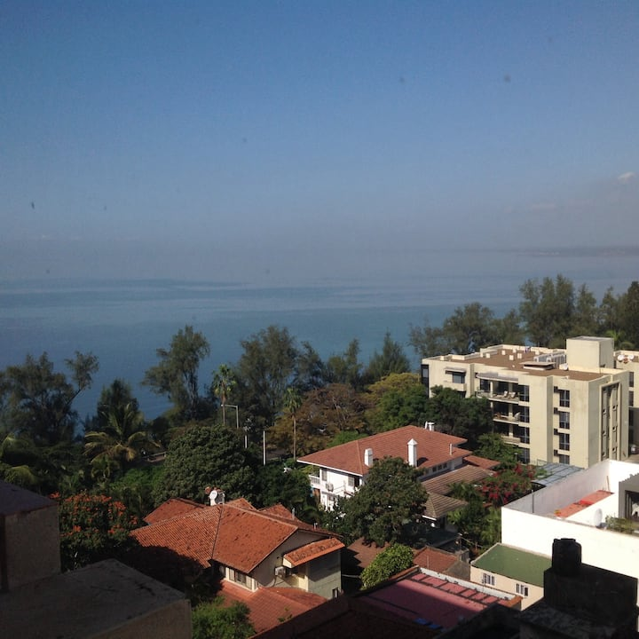 Private Bedroom in a great location - Maputo