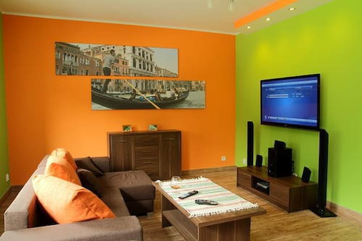 Comfortable Venetian Apartment - Bytom - Apartment