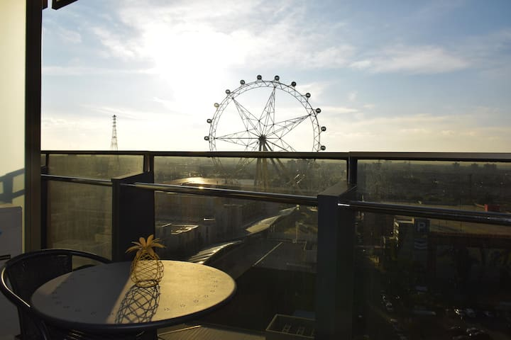 Sit and enjoy the view of the fabulous Wheel both during the day and lit up at night on our balcony