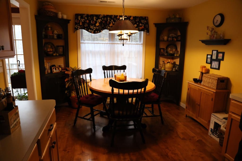 dine in kitchen, table opens for 6 guests