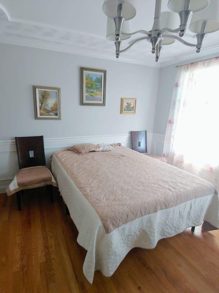 Elegant room in Boston Northern suburbs