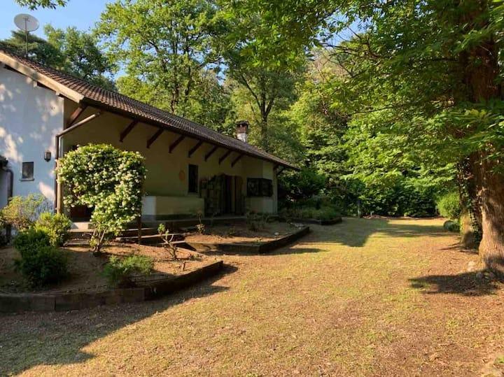 IL FILO: Cottage immerso nel verde vicino Malpensa