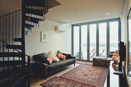 Calm, Serene, Sanctuary in the Sky - Apartment