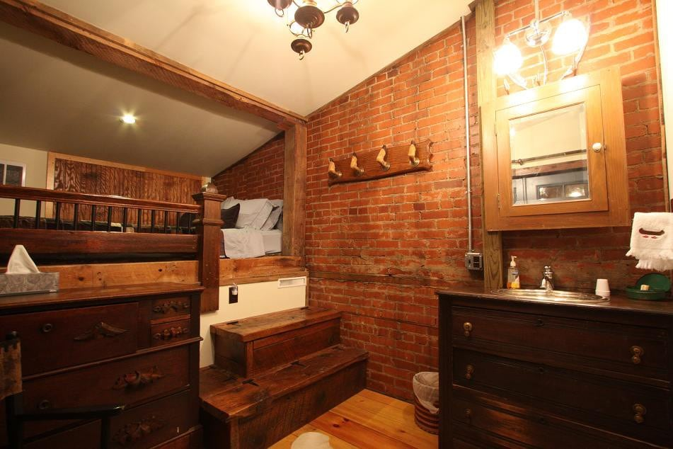 Penns Creek Room   Bed And Breakfasts For Rent In Millheim, Pennsylvania,  United States