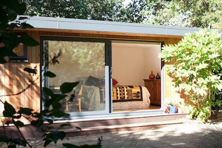 Woodland cabin in Central London. - London