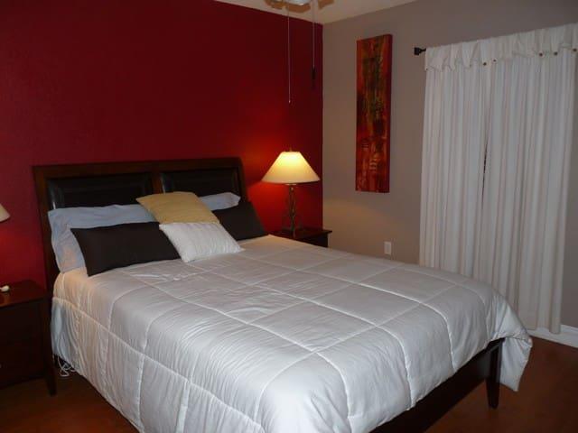 Master (downstairs) Bedroom