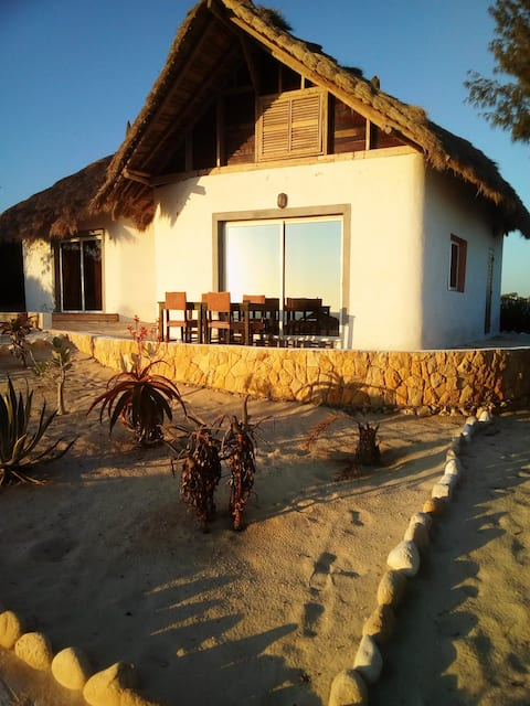 House with one bedroom in Anakao, with furnished garden and WiFi - 10 m from the beach