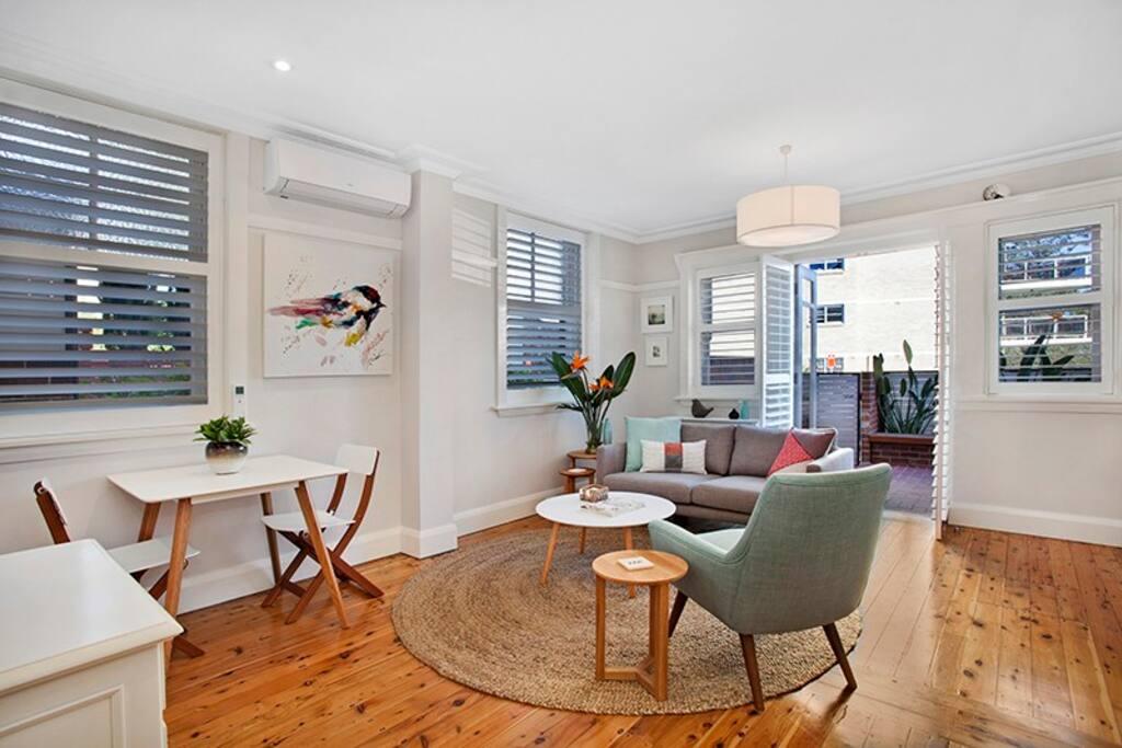 manly gro artige 1 schlafzimmer wohnung am wasser wohnungen zur miete in manly new south. Black Bedroom Furniture Sets. Home Design Ideas