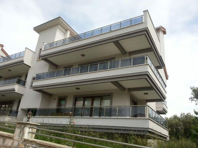 Ener 1 Teras Evleri Havuzlu Muhteşem Dubleks - Erdek