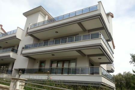 Ener 1 Teras Evleri Havuzlu Muhteşem Dubleks - Erdek - Квартира