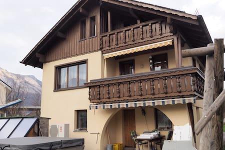 Ruhig, gemütlich und doch zentral - Ruggell - Haus