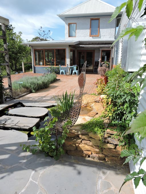 Lindeman at Leura - step over the fish pond to the front door.