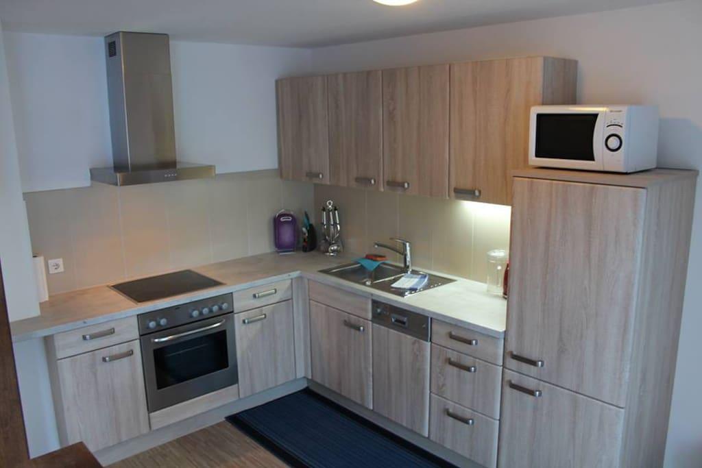 neue voll ausgestattete Küche