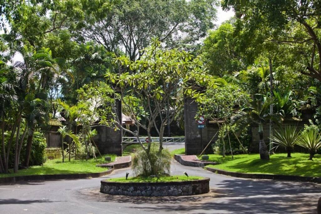 Enterance to the Taman Yasa