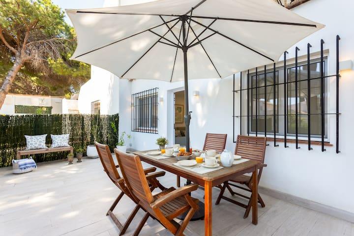 Beautiful & Quiet 2 Bdrs Apartm with private Terrace & communal Swimming Pool. Benamara