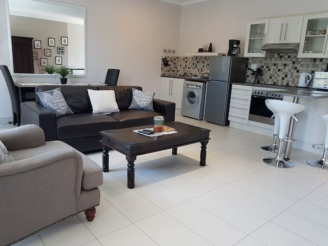 Luxery Self Catering Windhoek Apartment 3
