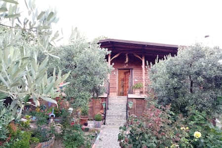 Kumyaka / Mudanya bölgesinde manzaralı bağ evi