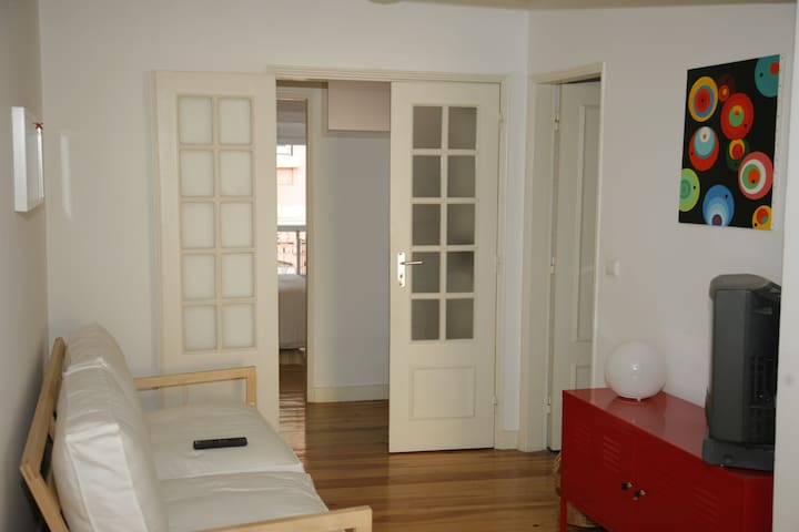 Apartment with private garden and wifi in Lisbon.