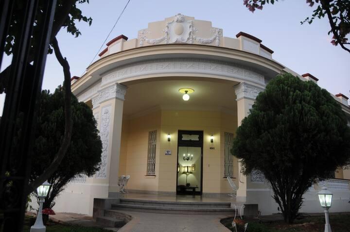 La Consul - Room 1