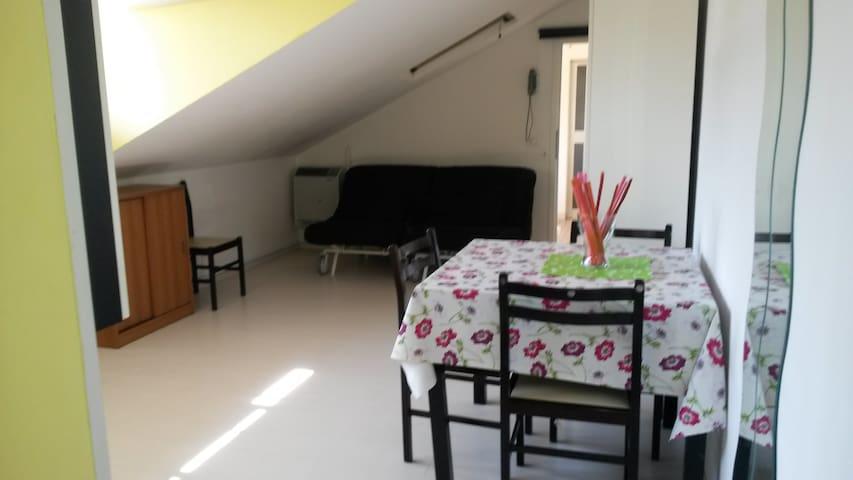 "Monolocale mansardato""Villa Serena"" - Igea Marina - Apartamento"