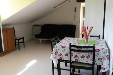 "Monolocale mansardato""Villa Serena"" - Igea Marina"
