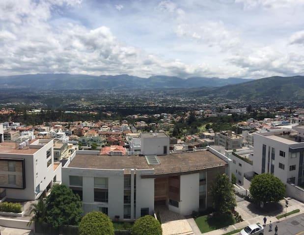 Hermosa suite en Miravalle a 5 min de Quito