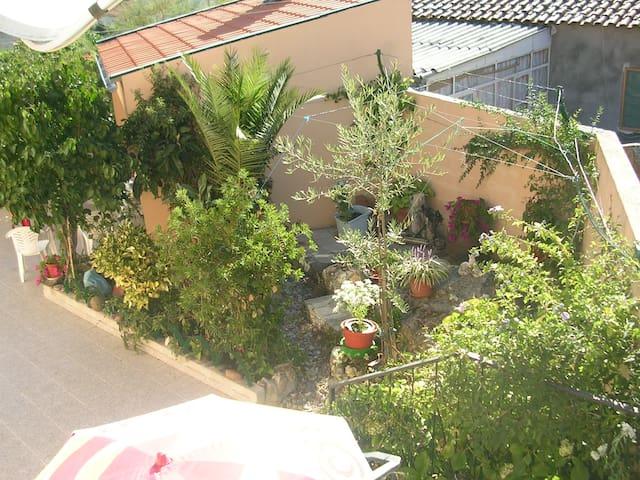 haut de maison dans village typique - Cardanha - Huis