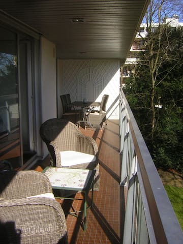 Bel appartement à 30' de Paris+ terrasse sur parc - Le Pecq - Apartment