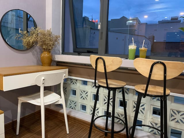 Spacious Chill Lux-Studio. Nearby Airport