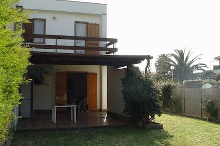Casa a 100 metri dal mare - Voltone