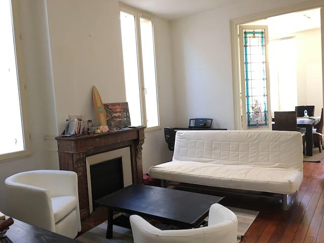Charmant T4 avec 2 chambres - 60m2 - centre ville - Bordeaux - Leilighet